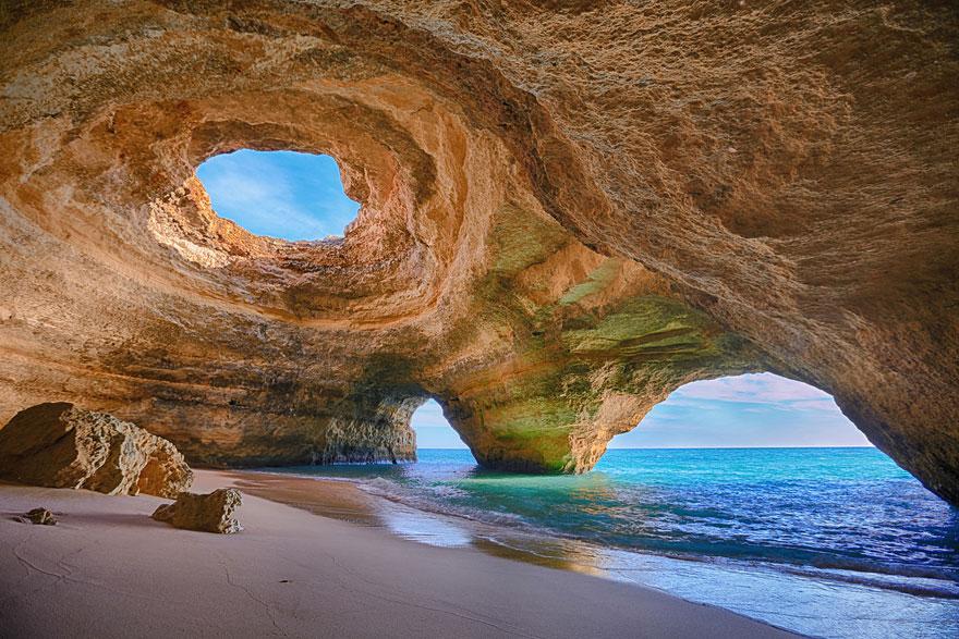 Pestera in Algarve, Portugalia