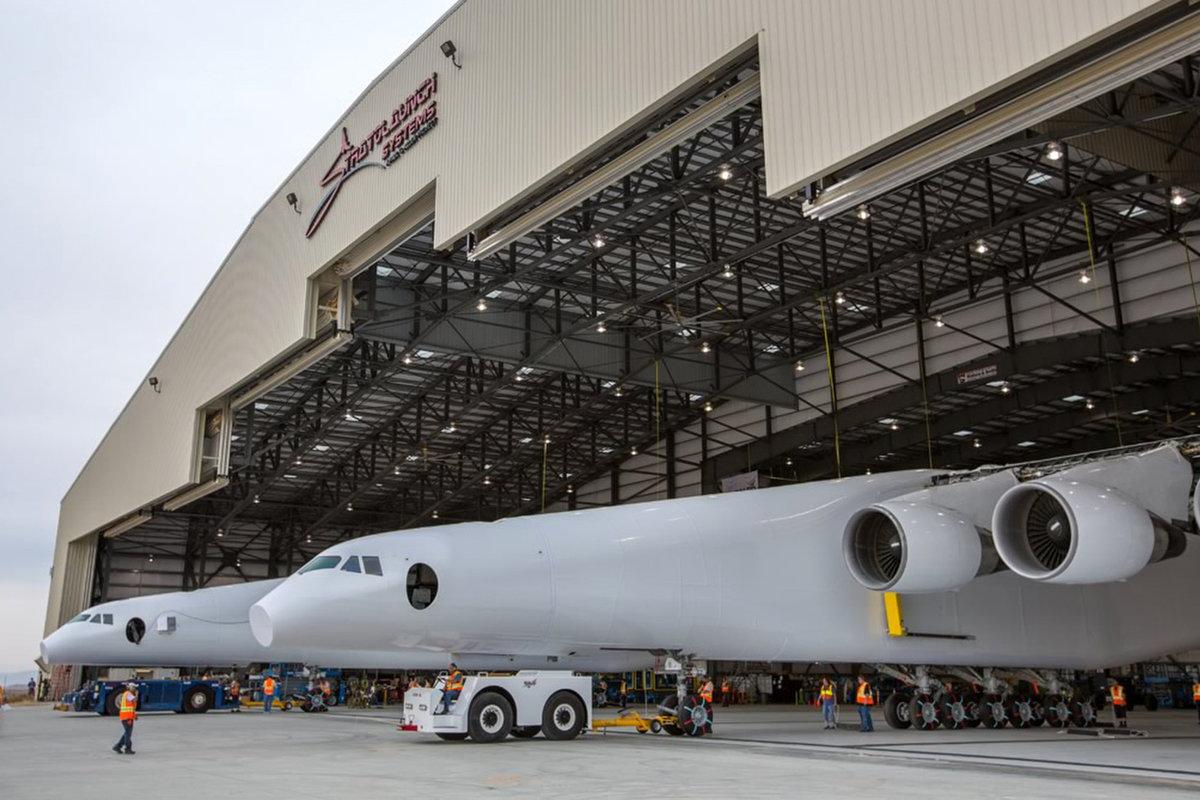 cel-mai-mare-avion-din-lume