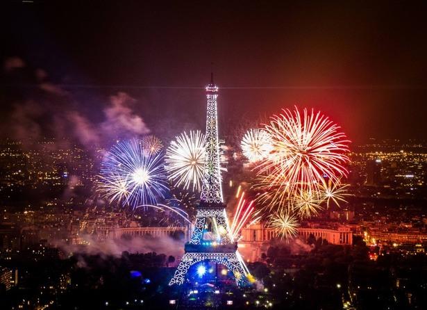 cele mai fenomenale spectacole de artificii din lume paris franta