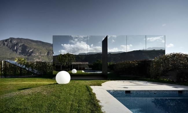 12 locuinte neobisnuite casa de oglinzi italia