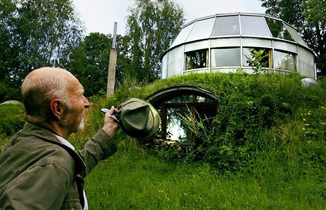 12 locuinte neobisnuite casa din the hobbit republica ceha