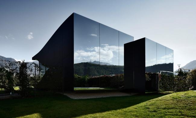 12 locuinte neobisnuite casa italiana din oglinzi