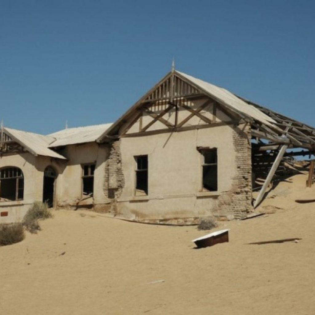 casa abandonata orasul kolmanskop din namibia