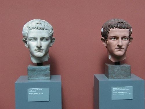 statuia antica a lui cezar