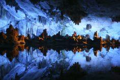 10 pesteri subterane uimitoare