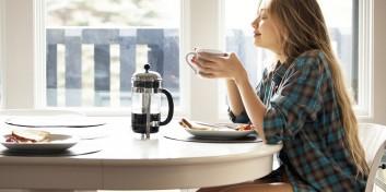 5 motive să continui să bei cafea
