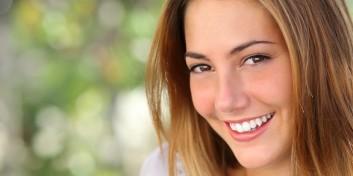De ce ni se cariază dinţii?